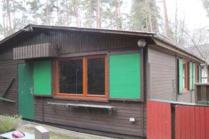 Holzhaus - auf 1000 qm Eigentumsgrundstück  !!