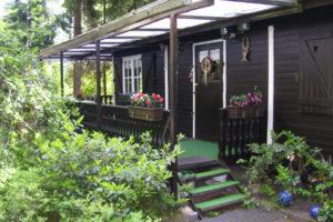 Holzhaus - klein, aber mein !!